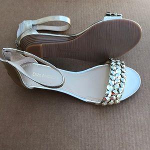 Enzo Angiolini karezza  gold sandals size 8 1/2